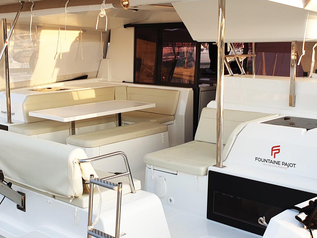 Alni Sailing - Hakuna Matata yacht - external living room